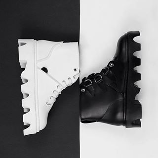 Black or White. The Jungle collection in black leather or bright white - allgender,instore and online.  #undergroundshoe #undergroundshoes  #undergroundlondon  #8berwickstreet  #underground_halfmoon #UNDERGROUND_SOUNDWAVE #UNDERGROUND_JUNGLE