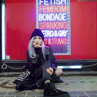 "This is Soho - ""No Hanging Out "" according to the sign. @kimiperi wears Jungle in Black Suede and Britons Beanie.  #undergroundshoe #undergroundshoes  #undergroundlondon  #8berwickstreet  #underground_halfmoon #UNDERGROUND_SOUNDWAVE #UNDERGROUND_JUNGLE"