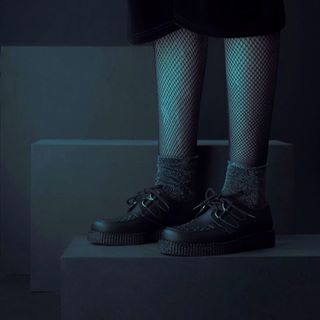 Original Creepers in a Vegan friendly option. This is the Wulfrun in Black Vegan friendly leather substitute. It's looks feels and behaves like leather. Online and instore now.  #undergroundshoe  #undergroundshoes  #undergroundlondon  #8berwickstreet  #underground_halfmoon #UNDERGROUNDCREEPERS #creepers #thecreeper #Brothelcreepers