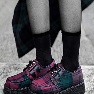 This is the Lindsay Tartan. The Lindsay clan originate from the borders of Scotland 800 years ago. Reappropriated by the elite classes  Tartan was wrestled back in the punk area to be reappropriated once again. Woven in Britian our Tartan is applied to the Original Wulfrun Creeper.  #Undergroundshoe #Undergroundshoes #Undergroundlondon #8berwickstreet  #Underground_halfmoon #UNDERGROUNDCREEPERS #Thecreeper #brothelcreepers  #authentictartan